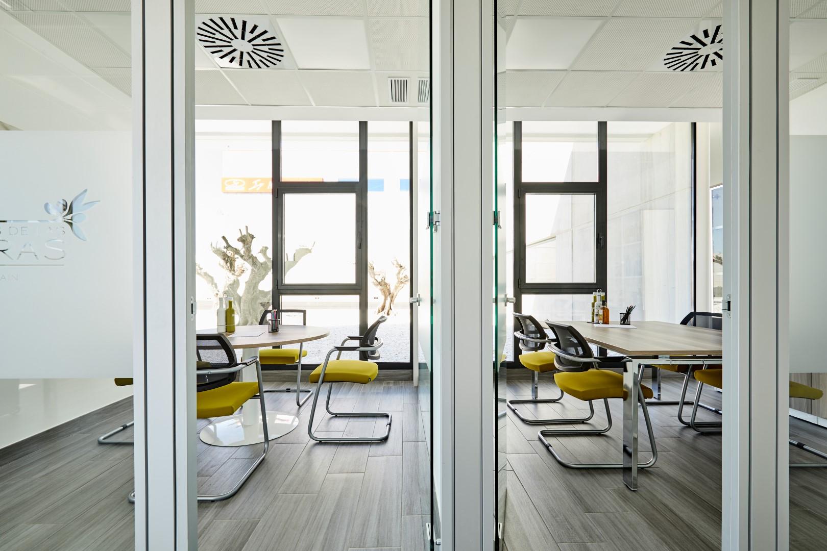 Proyecto aceites de las heras oficines muebles de for Muebles las heras