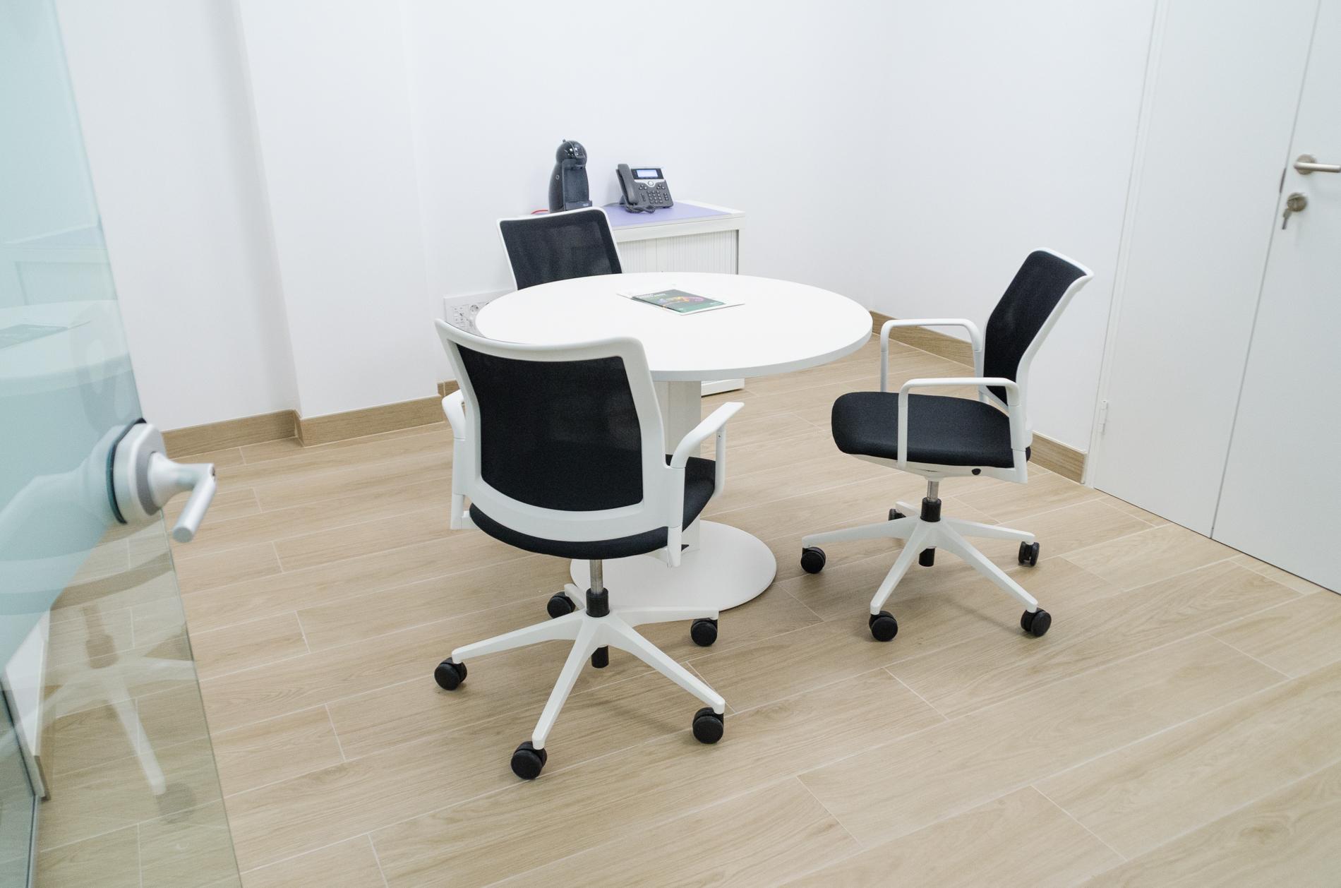 Oficines caixa popular ld 7 oficines muebles de for Oficinas la caixa valencia capital
