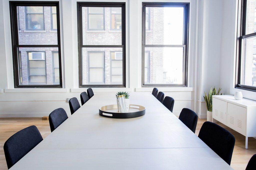 limpieza de mesas de oficina